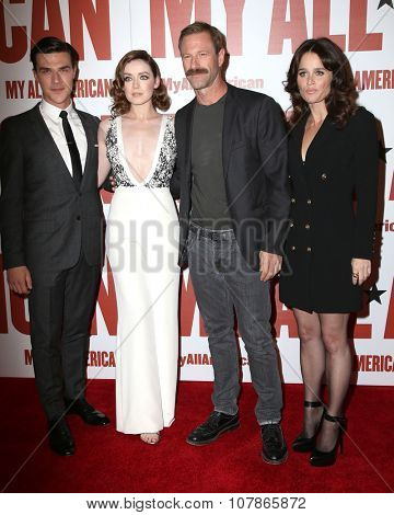 LOS ANGELES - NOV 9:  Finn Wittrock, Sarah Bolger, Aaron Eckhart, Robin Tunney at the