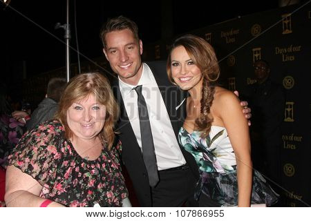 LOS ANGELES - NOV 7:  Tracey Baker, Justin Hartley, Chrishell Stause at the Days of Our Lives 50th Anniversary Party at the Hollywood Palladium on November 7, 2015 in Los Angeles, CA