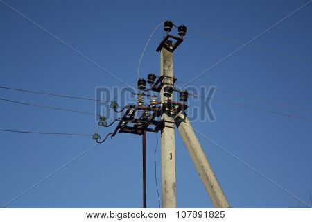 Pillar Power Lines