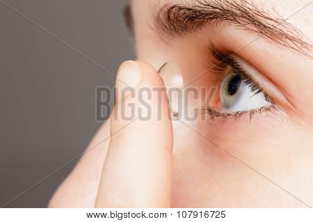 Contact Lenses - A Convenient Way For Solving Problems With Vision