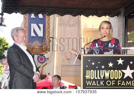 LOS ANGELES - NOV 05:  Ridley Scott, Kristen Wiig at the Ridley Scott Hollywood Walk of Fame Star Ceremony at the Hollywood Blvd on November 05, 2015 in Los Angeles, CA
