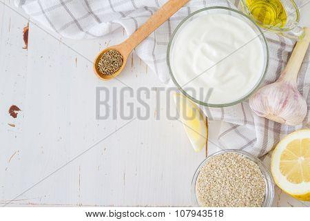 Tahini sauce ingredients