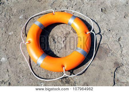 A life buoy on the wharf