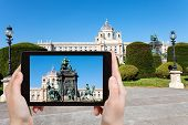 Постер, плакат: Snapshot Of Maria Theresa Monument In Vienna