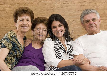 Vater, Mutter, Tochter und Tante