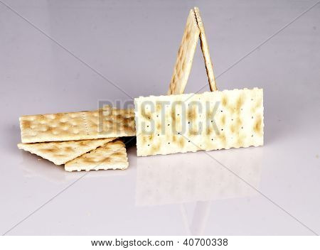 Cracker In The Table