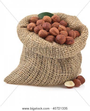 nuts hazelnut isolated on white background