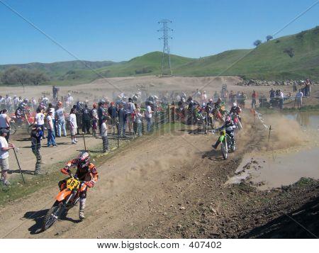 Dirt_bike_race