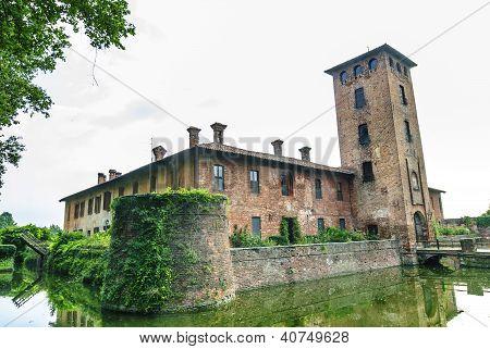 Castle Of Mirazzano (milan)
