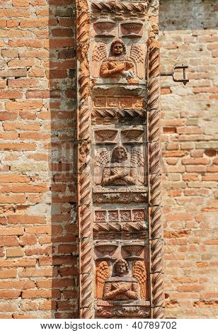 Santa Maria Di Bressanoro, Terracotta Decorations