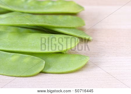 Close up image of mangetout