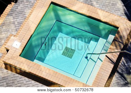 Square Outdoor Jacuzzi