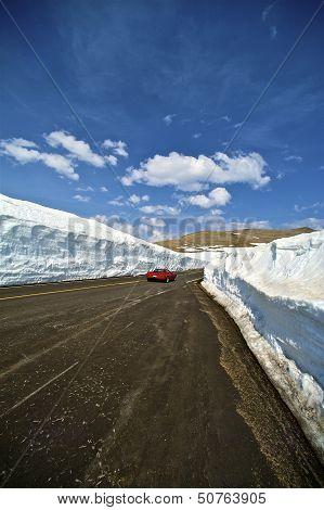 Snowfields Road