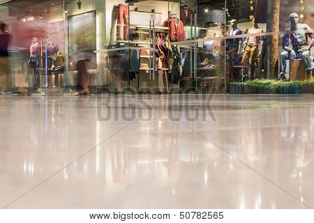 Mall In Motion