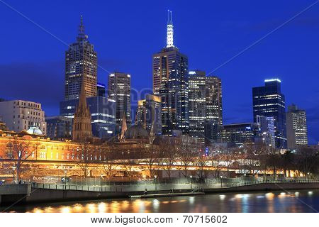 Melbourne skyline night