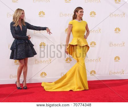 LOS ANGELES - AUG 25:  Julia Roberts, Kate Walsh at the 2014 Primetime Emmy Awards - Arrivals at Nokia Theater at LA Live on August 25, 2014 in Los Angeles, CA