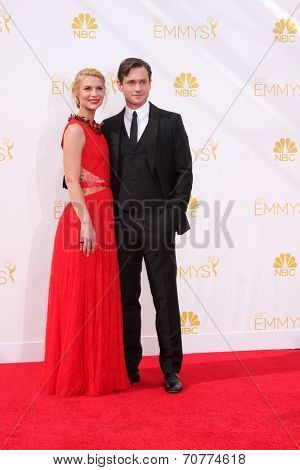 LOS ANGELES - AUG 25:  Claire Danes, Hugh Dancy at the 2014 Primetime Emmy Awards - Arrivals at Nokia Theater at LA Live on August 25, 2014 in Los Angeles, CA