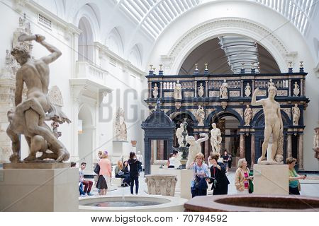 LONDON, UK - AUGUST 24, 2014: People visiting Victoria and Albert Museum.
