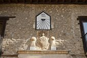 pic of sundial  - Sundial from year 1822 and stone heart - JPG