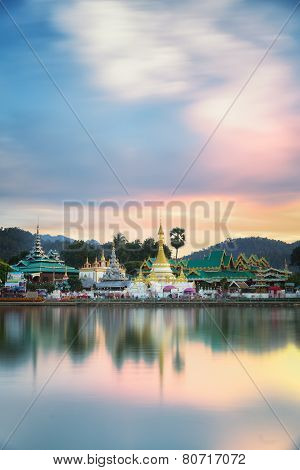 Wat Jongklang And Wat Jongkham