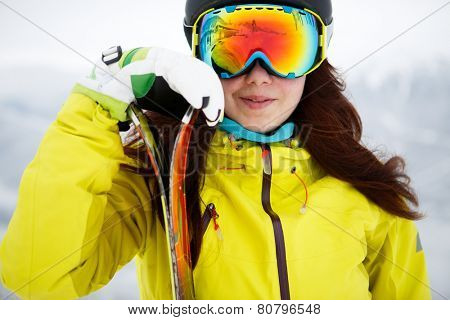 Ski, skier, winter - Closeup of smiling skier woman