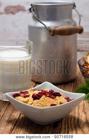 Cornflakes With Dried Cranberries In Square Bowl