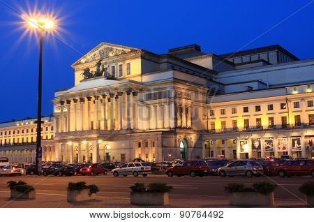 Warsaw Grand Theatre at night