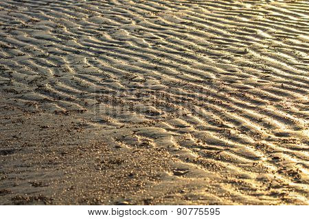 Beach sand waves