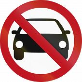 picture of motor vehicles  - Colombian sign prohibiting thoroughfare for all motor vehicles - JPG