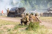image of nazi  - detachment of the three Soviet soldiers firing mortar - JPG