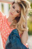 foto of pink eyes  - Very beautiful blonde girl with big brown eyes - JPG