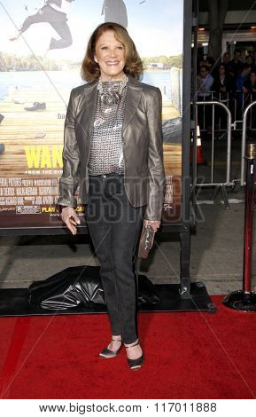 Linda Lavin at the Los Angeles Premiere of
