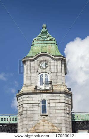Oslo - July 15, 2014 :historic Building In The Center, July 15, 20014 In Oslo, Norway