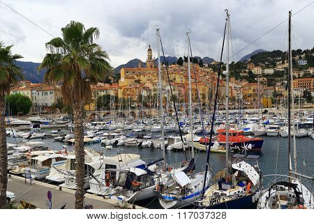 ?loudy Day In Menton