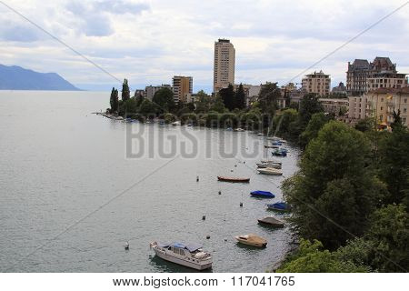 The amazing Lake Geneva in the summer