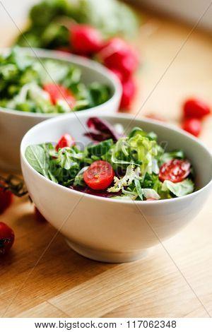 salad with tomato