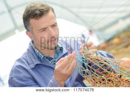 fixing a net