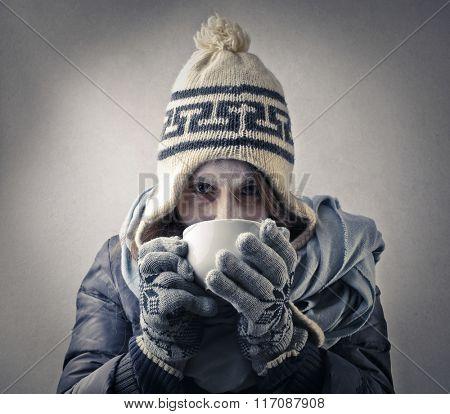 Regenerating hot drink