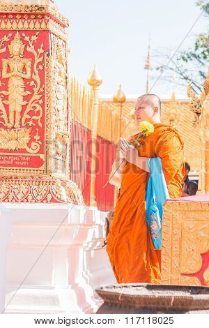 Monk pay homage around Wat Phra That Doi Suthep