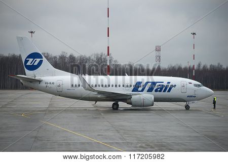 A Boeing 737-500 (VQ-BJQ) UTair aviation before flying to Pulkovo airport
