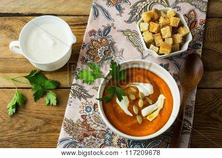 Autumnal Spicy Pumpkin Cream Soup