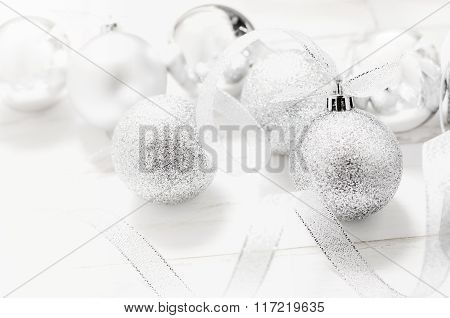 White And Gray Christmas Ball