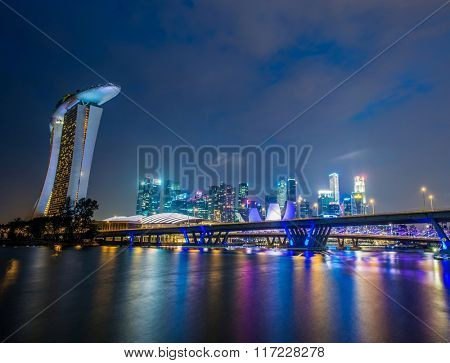 Singapore - AUGUST 5, 2014: Singapore skyline on August 5 in Singapore, Singapore. Singapore is a popular tourist destination