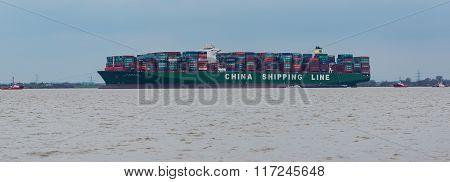 container ship run agroundon