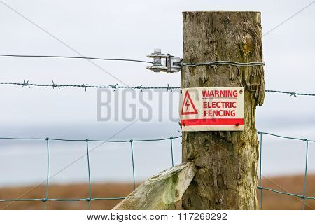 Electric Fence Danger Warning Sign