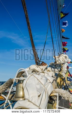 Mast with sails of an sailing vessel
