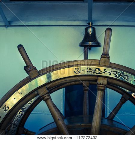 Steering wheel of an old sailing vessel