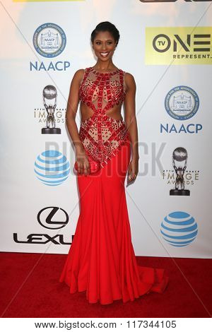 LOS ANGELES - FEB 5:  Jennifer WIlliams at the 47TH NAACP Image Awards Arrivals at the Pasadena Civic Auditorium on February 5, 2016 in Pasadena, CA