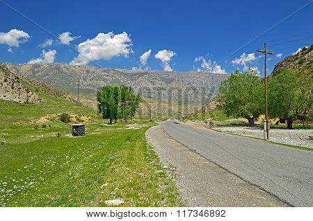 Road To Khaidarkan