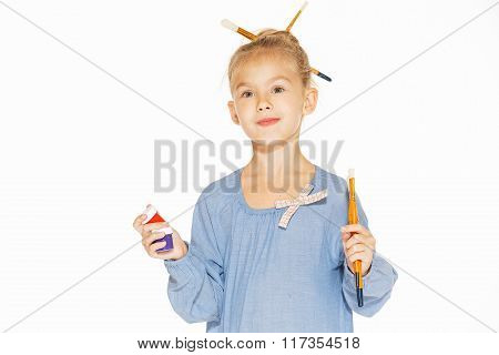 Young girl - painter